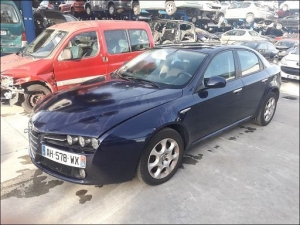 Voiture accidentée : ALFA ROMEO 159