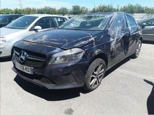 Voiture accidentée : MERCEDES A 180