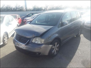 Voiture accidentée : VOLKSWAGEN TOURAN